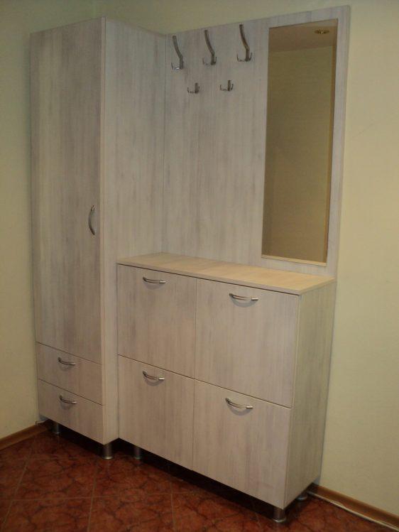 Hol din lemn PAL Suceava MB183