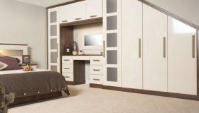 mobilier dormitor alb cu maro inchis 7
