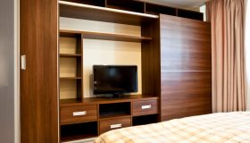 mobilier dormitor maro 3