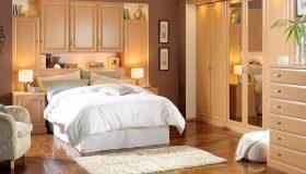 mobilier dormitor maro deschis 2