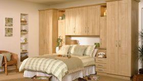 mobilier dormitor maro deschis