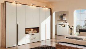 mobilier dormitor sifonier alb cu maro